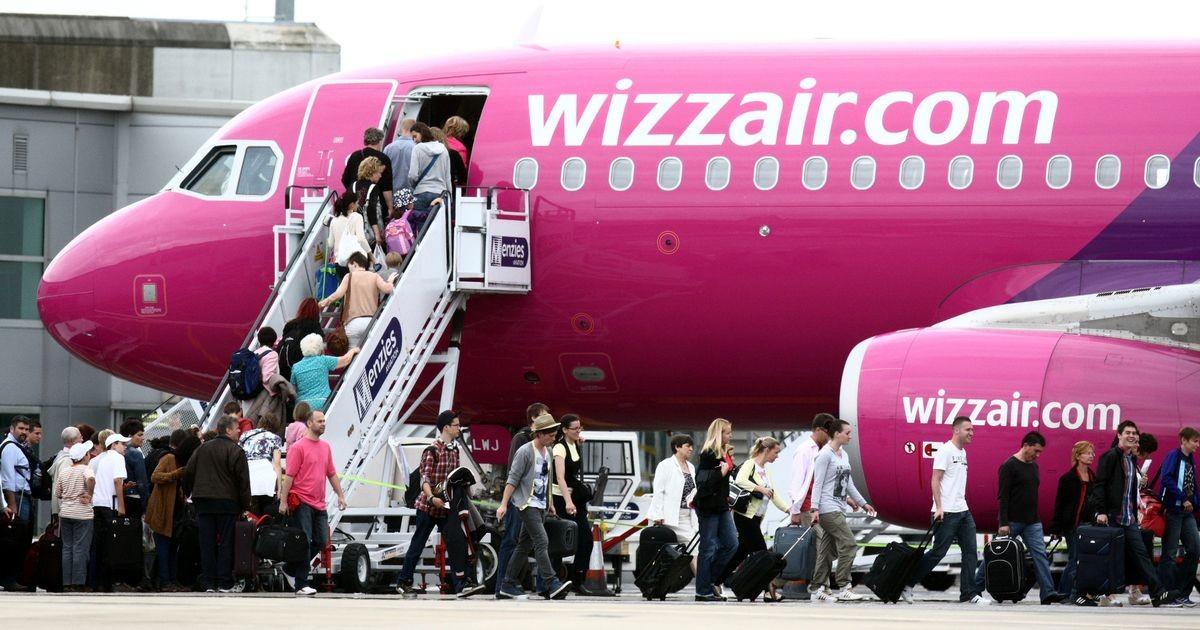 Akár a repülőjegy teljes árát is vissza kell téríteni az utasoknak késés esetén