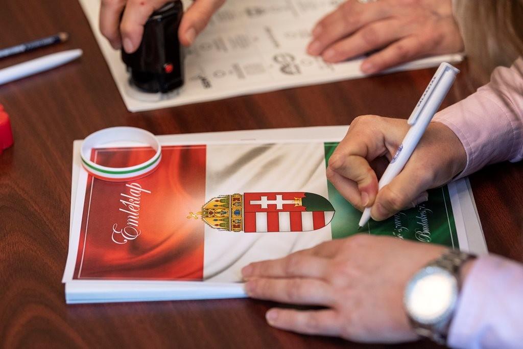 Százával indult nyomozás a választás előtt Magyarországra bejelentkezett ukrajnaiak ügyében
