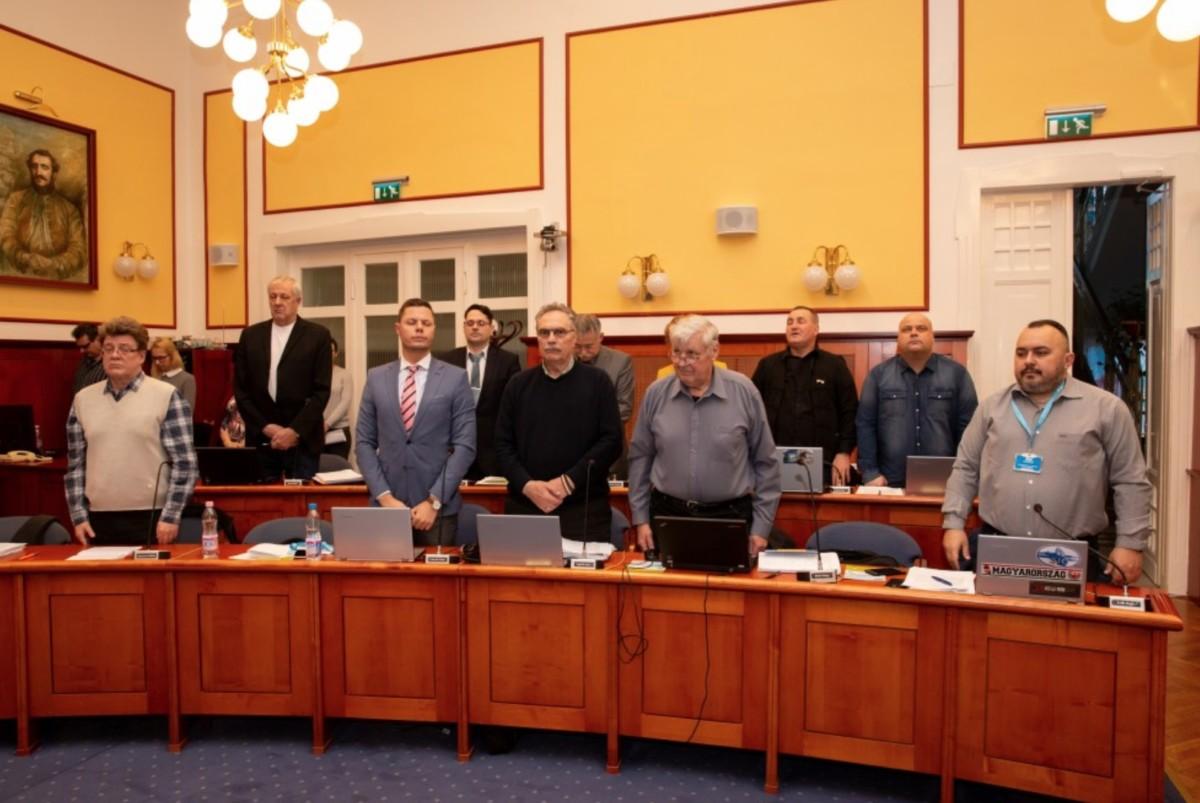 Leszavazta a XV. kerületi Fidesz az ápolók és bölcsődei dolgozók béremelését