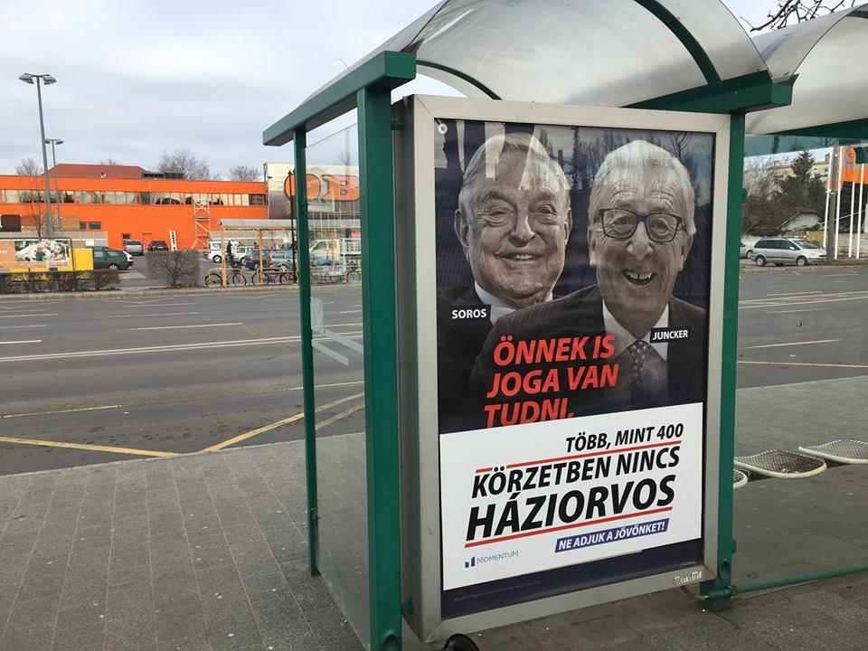 Kijavította a Momentum a Fidesz legújabb sorosozó plakátjait