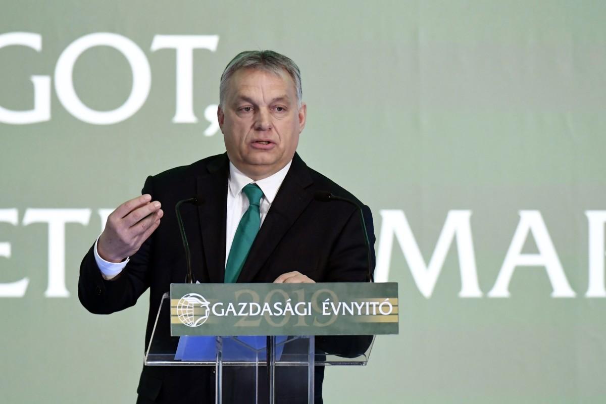 Orbán Viktor miniszterelnök beszédet mond a Magyar Kereskedelmi és Iparkamara gazdasági évnyitóján a budapesti New York Palace szállodában 2019. február 27-én.