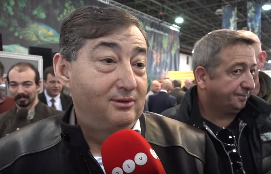 Lakájmédia-díjas kérdést szegezett az ATV Mészáros Lőrincnek