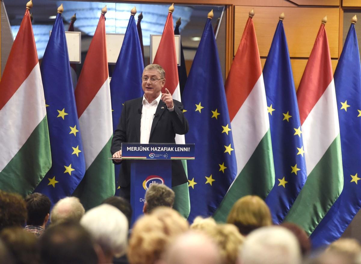 Gyurcsány Ferenc, a Demokratikus Koalíció elnöke 15. évértékelő beszédét tartja Budapesten, a Sofitel Hotelben 2019. február 9-én.