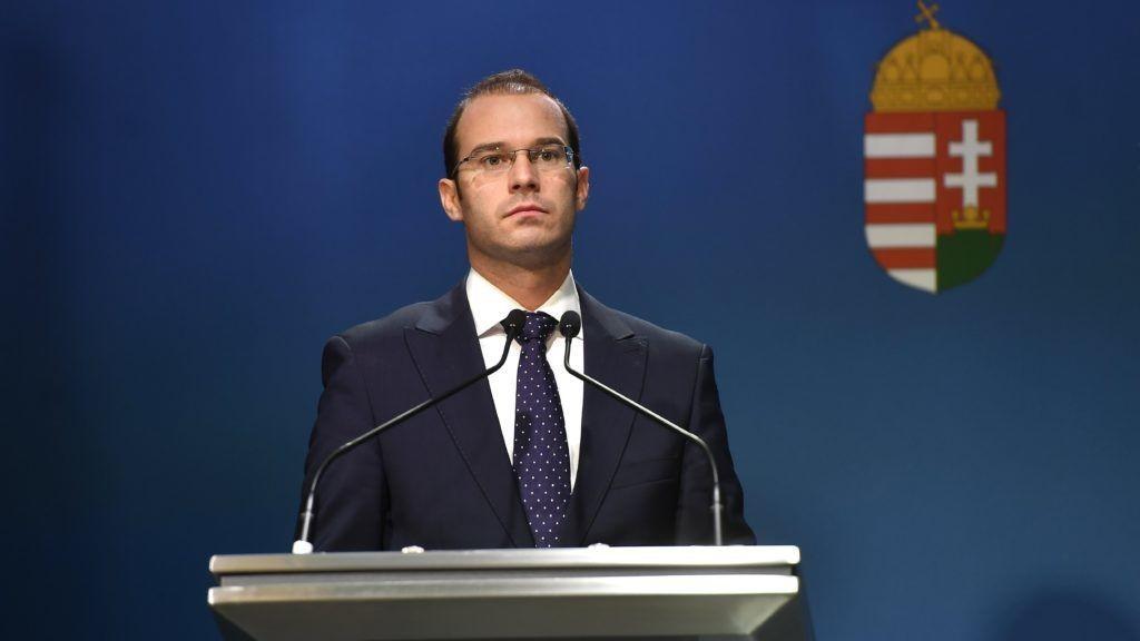 Határvédelemre tarhálna pénzt az EU-tól a sorosozó kormányszóvivő