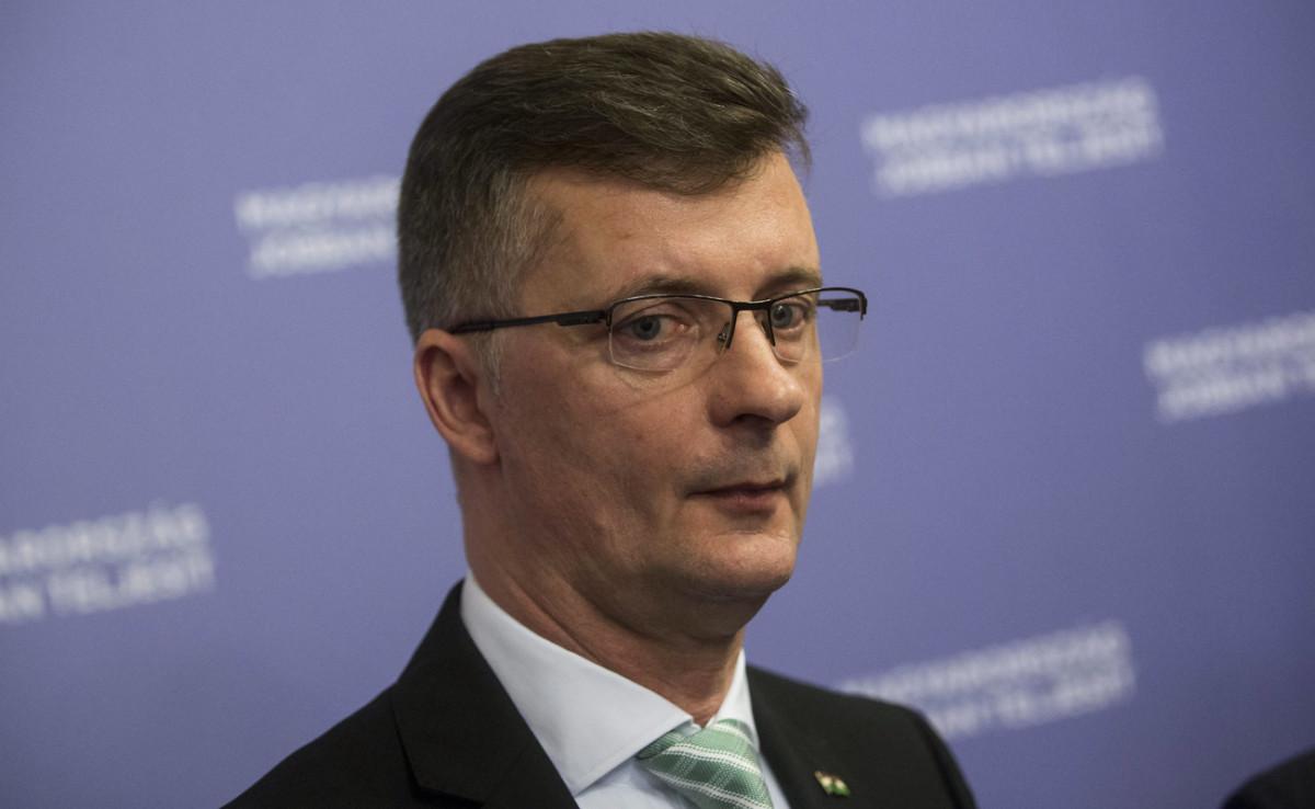 Kubatov szerint Lázár János Botka győzelméért szorít