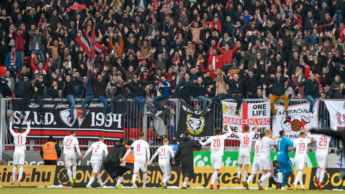 A debreceni csapat és szurkolóik a labdarúgó OTP Bank Liga 21. fordulójában játszott Debreceni VSC - Ferencváros mérkőzésen a debreceni Nagyerdei Stadionban 2019. február 16-án.