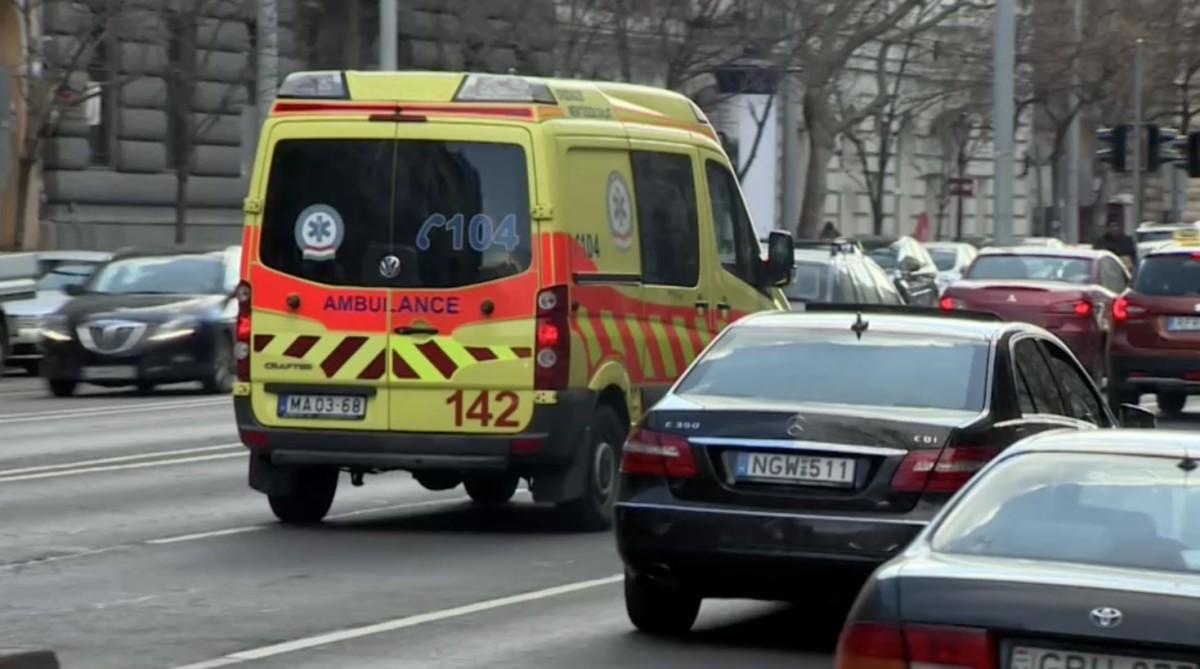 Meghalt a 17 éves fiú a Nyugatinál, akihez késve ért ki a mentő a pár percre lévő mentőállomásról