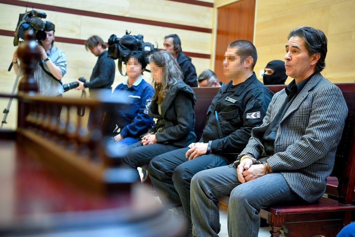 J. Médea elsőrendű (j3) és K. Gusztáv másodrendű (j) vádlott a tárgyaláson 2019. február 20-án.