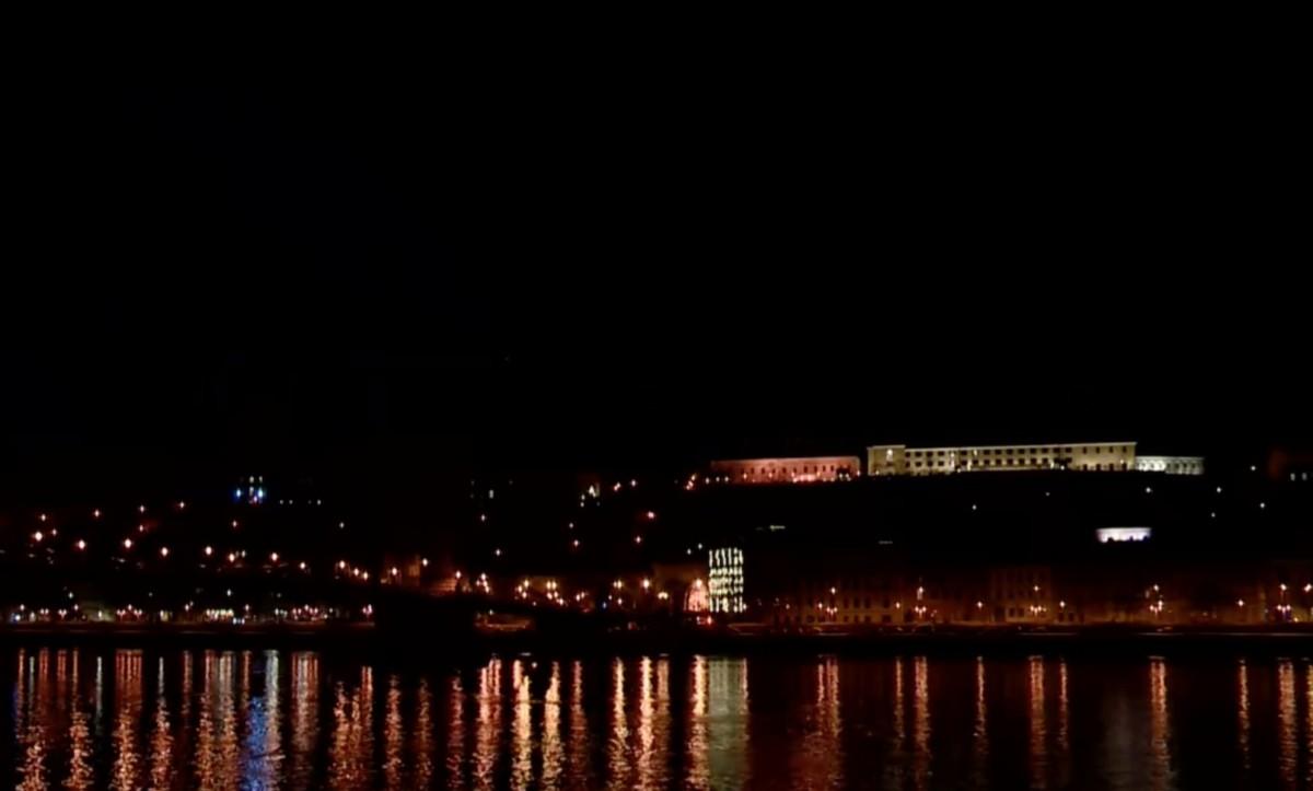 Csak Orbán és Áder hivatala maradhat kivilágítva éjfél után
