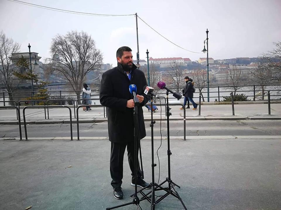 """A budapesti """"náci, rasszista felvonulások"""" ellen szónokolt az egyik főpolgármester-jelölt"""