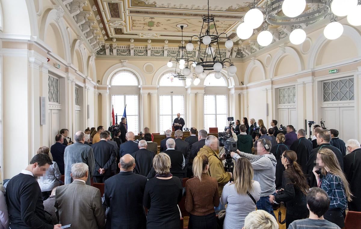 A vörösiszapper megismételt elsőfokú eljárásának ítélethirdetése a Győri Törvényszék tárgyalótermében 2019. február 4-én.