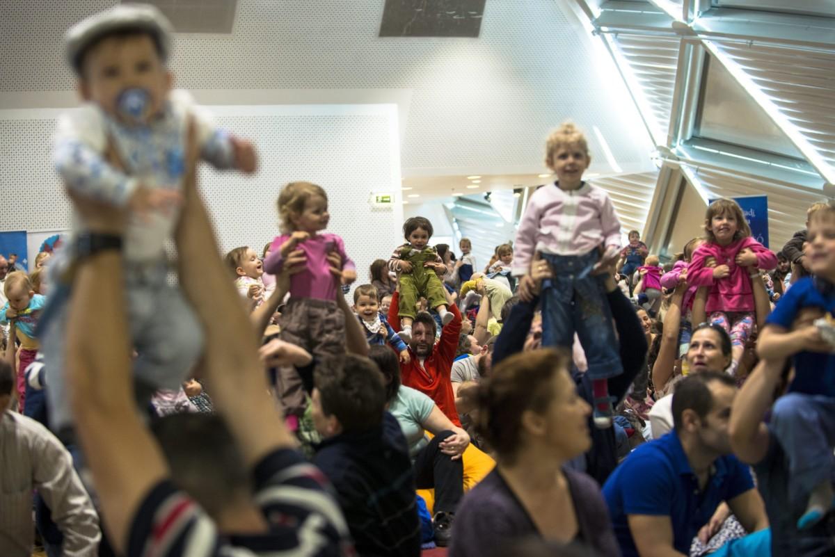 A Ringató Baráti Társaság Egyesület családi napja a budapesti Bálnában 2016. május 7-én.