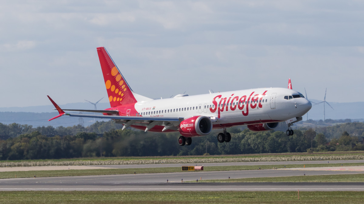 SpiceJet Boeing 737 MAX 8 VT-MAX