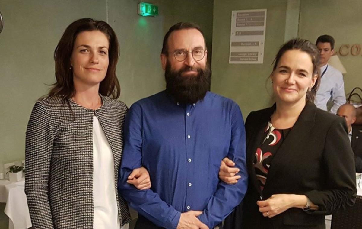 Varga Judit, a Miniszterelnökség európai uniós kapcsolatokért felelős államtitkára, Szájer József, a Fidesz-KDNP már csak volt európai parlamenti képviselője, valamint Novák Katalin, a Fidesz külügyekért felelős alelnök egy korábbi fotón.