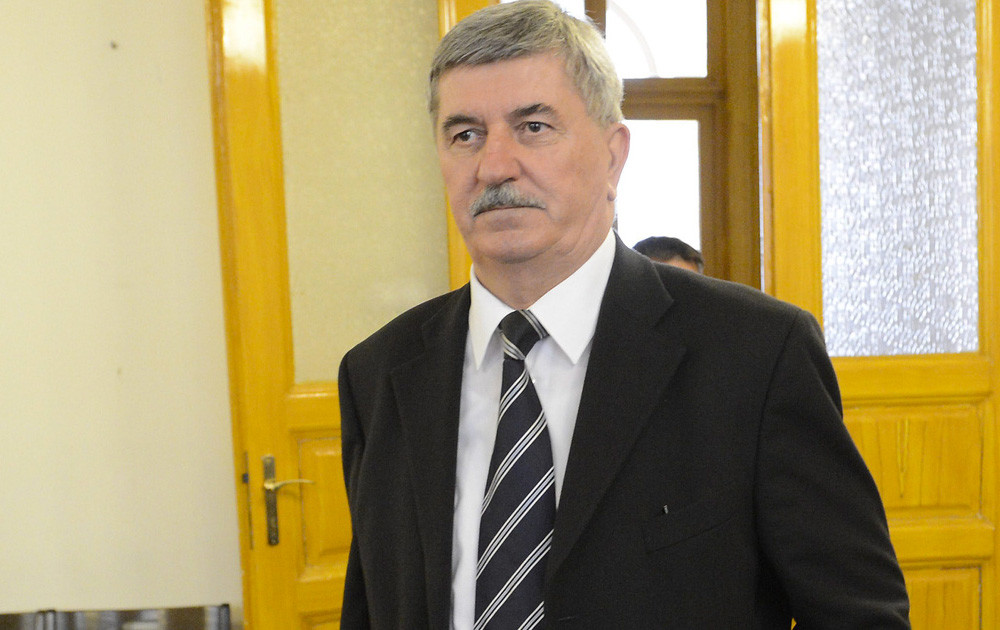 Kocsis István, a Magyar Villamos Művek Zrt. volt vezérigazgatója a Fővárosi Törvényszék tárgyalótermében 2015. április 15-én.