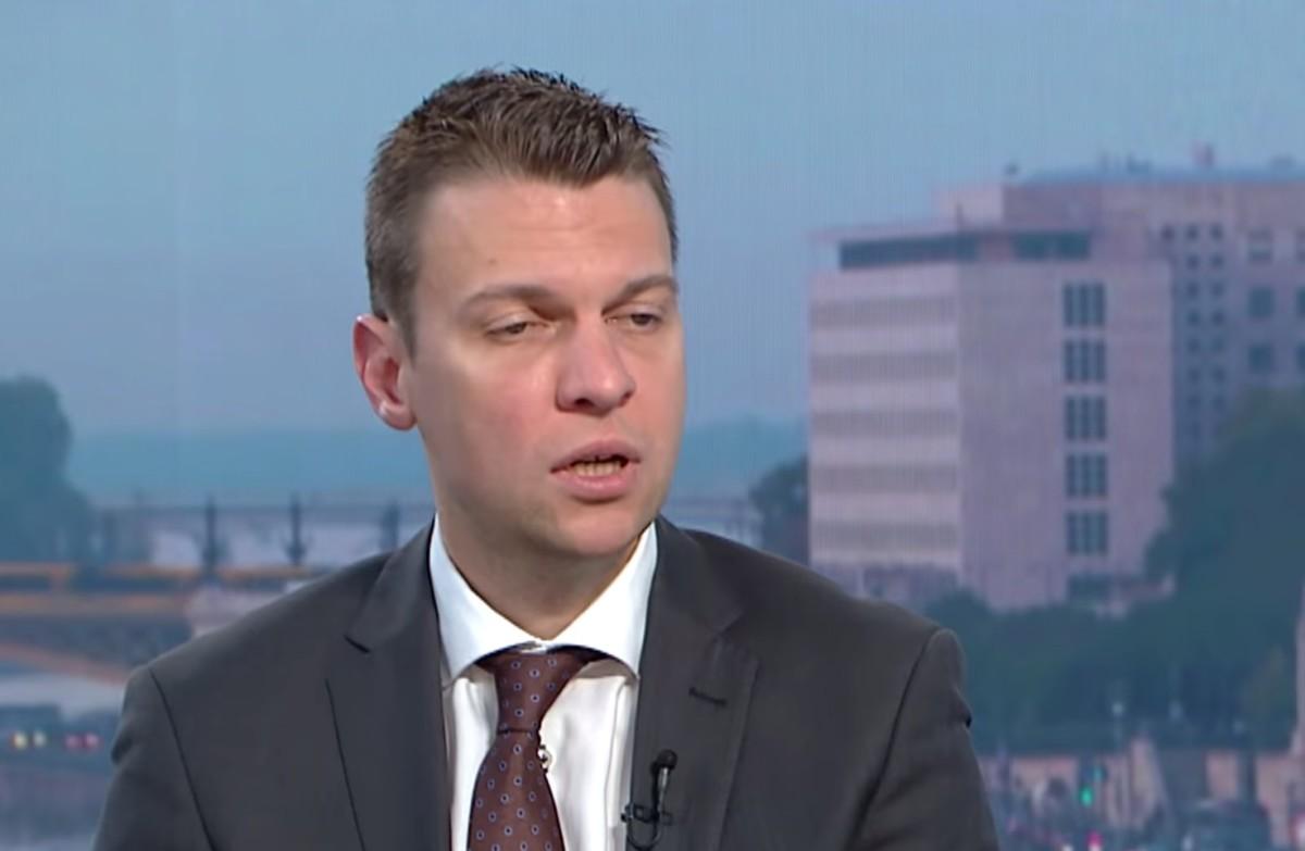 """Államtitkár: """"Brüsszel"""" TITOKBAN kötelezővé akarja tenni a világ LEGVESZÉLYESEBB migrációs csomagját"""