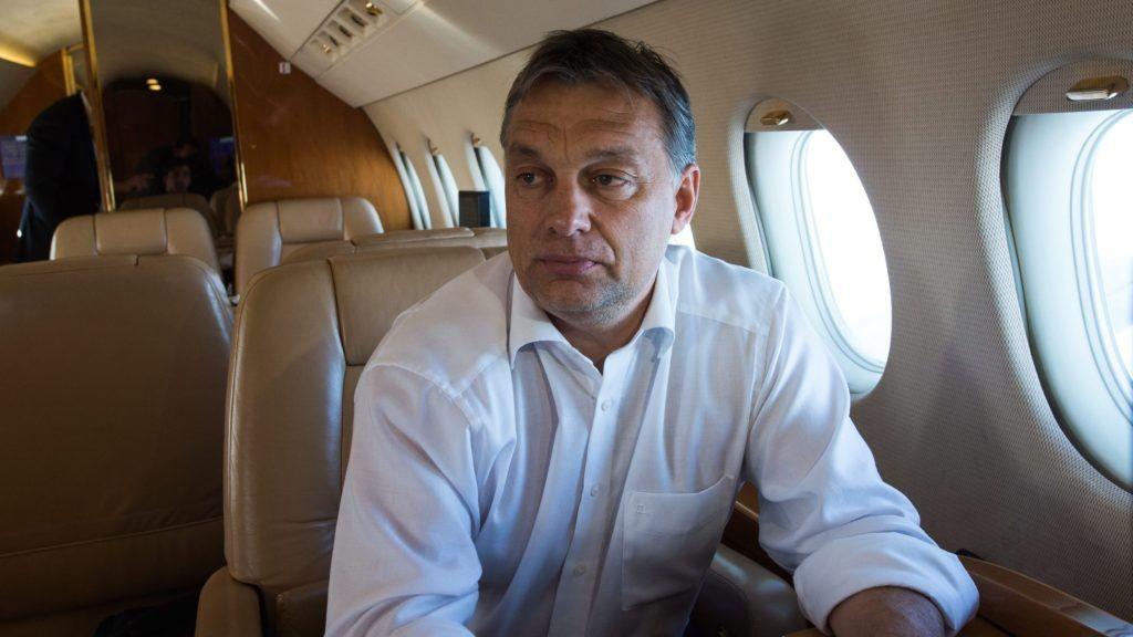 Orbán a kazah diktátorral találkozik, aki saját magáról nevezte el országa fővárosát
