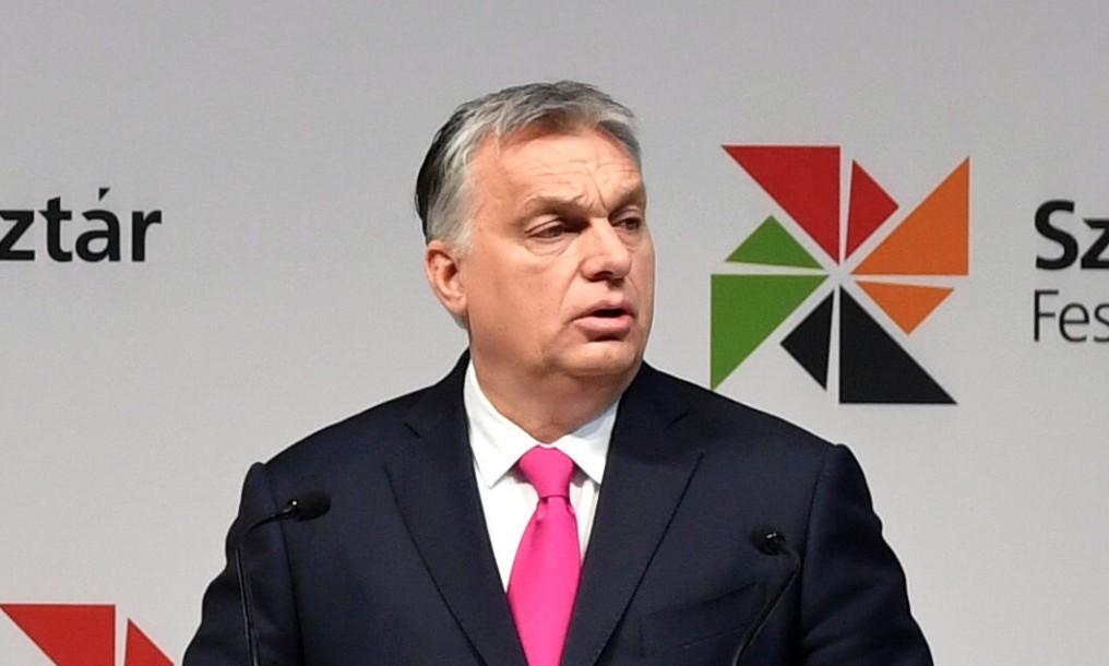 Orbán Viktor miniszterelnök beszédet mond a XII. Szakma Sztár Fesztiválon a Hungexpo Budapesti Vásárközpontban 2019. március 12-én. A március 14-ig tartó fesztiválon rendezik meg a Szakma Kiváló Tanulója Verseny, az Országos Szakmai Tanulmányi Verseny és a SkillsHungary döntőit.