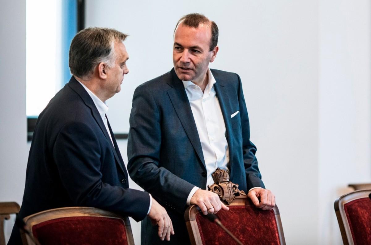 Orbán Viktor miniszterelnök (b) Budapesten, a Karmelita kolostorban fogadta Manfred Webert, az Európai Néppárt frakcióvezetőjét 2019. március 12-én.