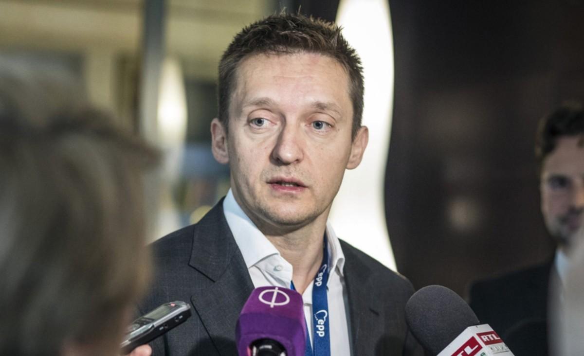 117 ezer unión kívüli polgár kapott letelepedési vagy tartózkodási engedélyt Magyarországon 2017-ben