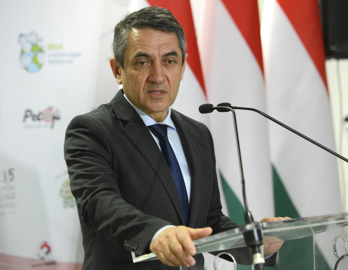 Potápi Árpád János, a Miniszterelnökség nemzetpolitikáért felelős államtitkára sajtótájékoztatót tart a budapesti Roosevelt Irodaházban 2019. március 26-án.
