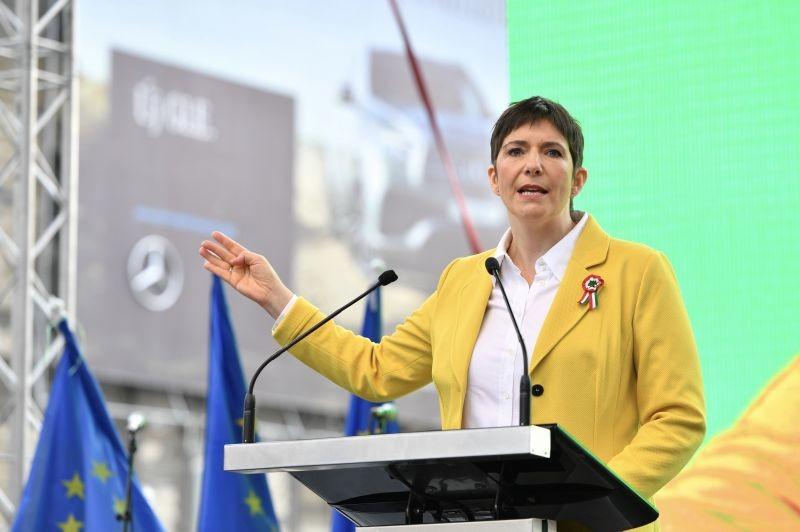 Dobrev Klára a legismertebb és legnépszerűbb EP-listavezető politikus