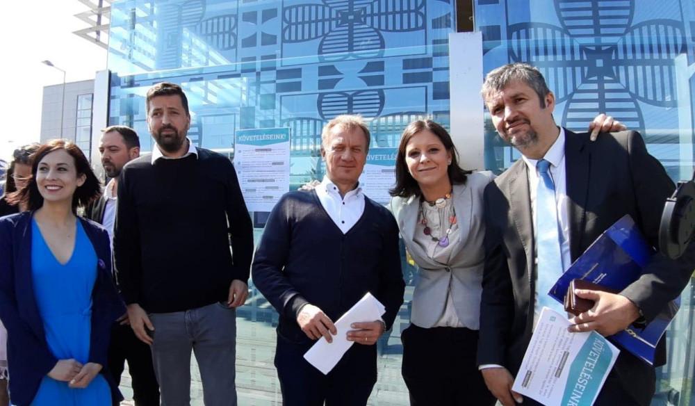 """Jogi lépéseket tesz az MTVA a hétfői ellenzéki """"blokád"""" miatt"""