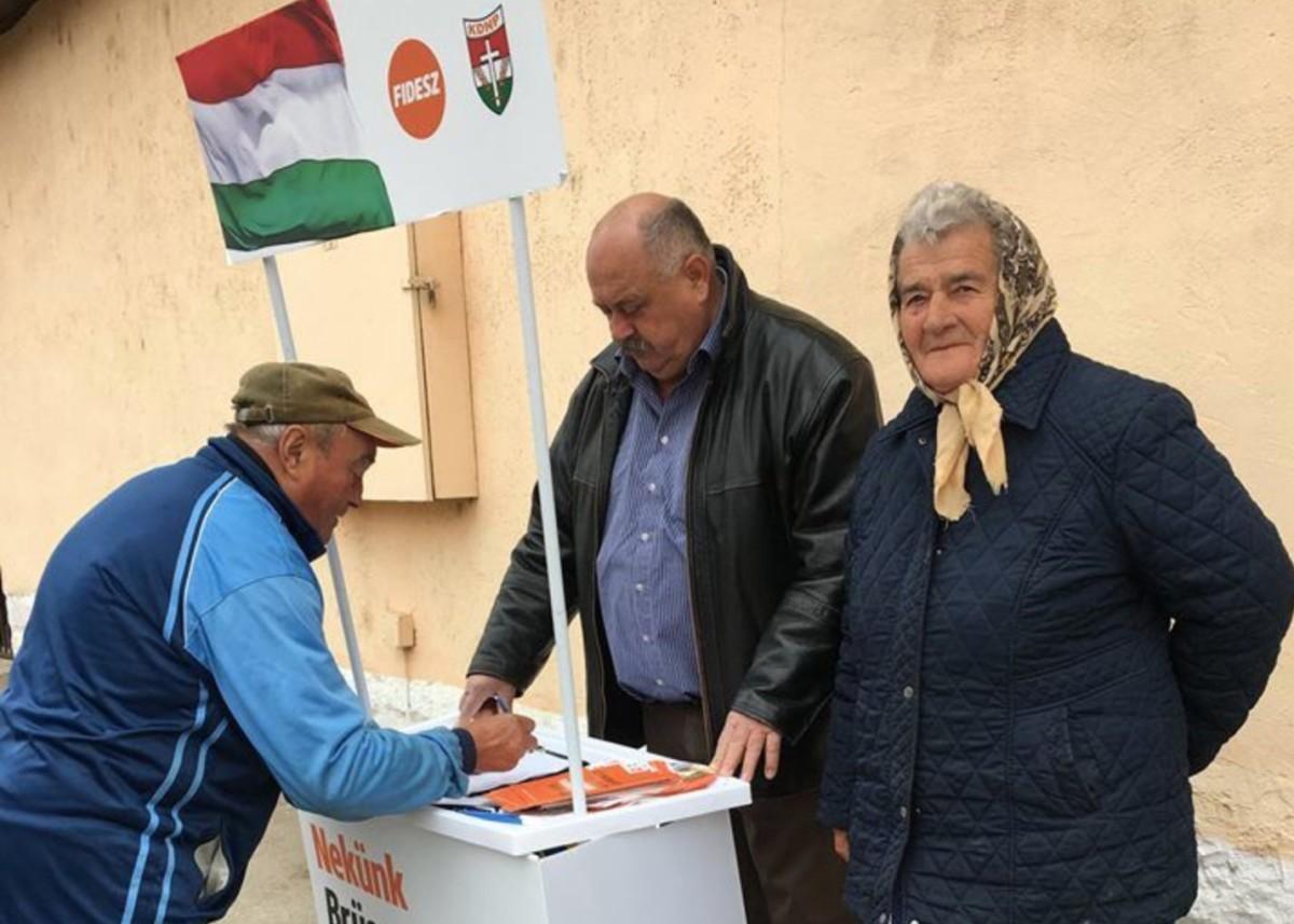 Állítólag már 1 millió 150 ezren írták alá Orbán Viktor migránsmegállító programját
