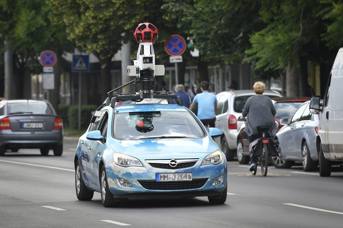 A Google egyik autója Debrecenben 2018 májusában.