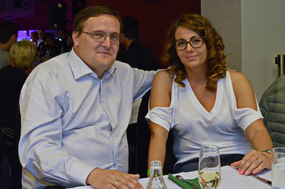 Homlok Zsolt vállalkozó és Mészáros Ágnes a Szombathelyi Haladás évzáró bankettjén 2017 májusában.