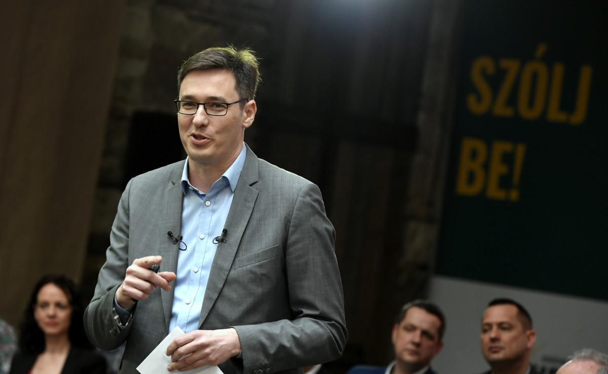 Karácsony Gergely, az MSZP és a Párbeszéd közös főpolgármester-jelöltje a Miért kell és hogyan lehet elérni a változást Budapesten? című kampányindító rendezvényén, a budapesti Anker't romkocsmában 2019. április 13-án.