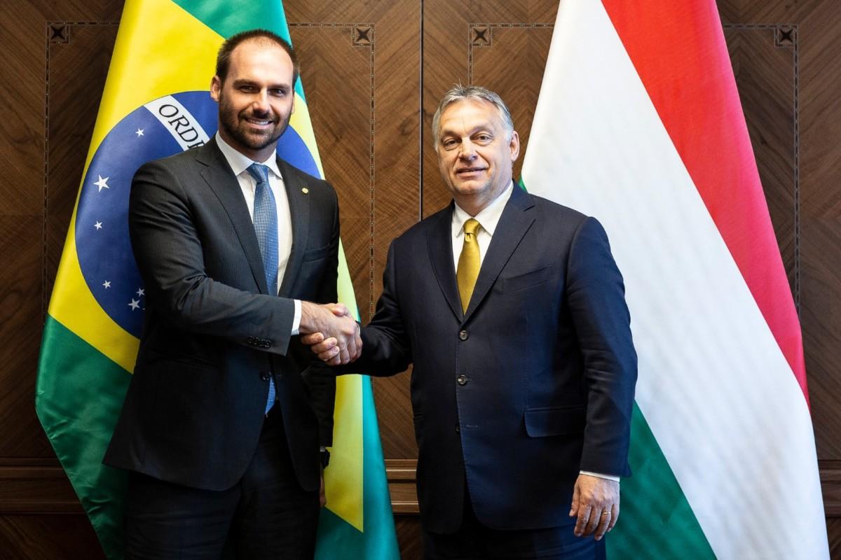 Orbán Viktor miniszterelnök és Eduardo Bolsonaro, a brazil képviselőház külügyi és védelmi bizottsága elnökének tárgyalása Budapesten a Karmelita kolostorban 2019. április 18-án.