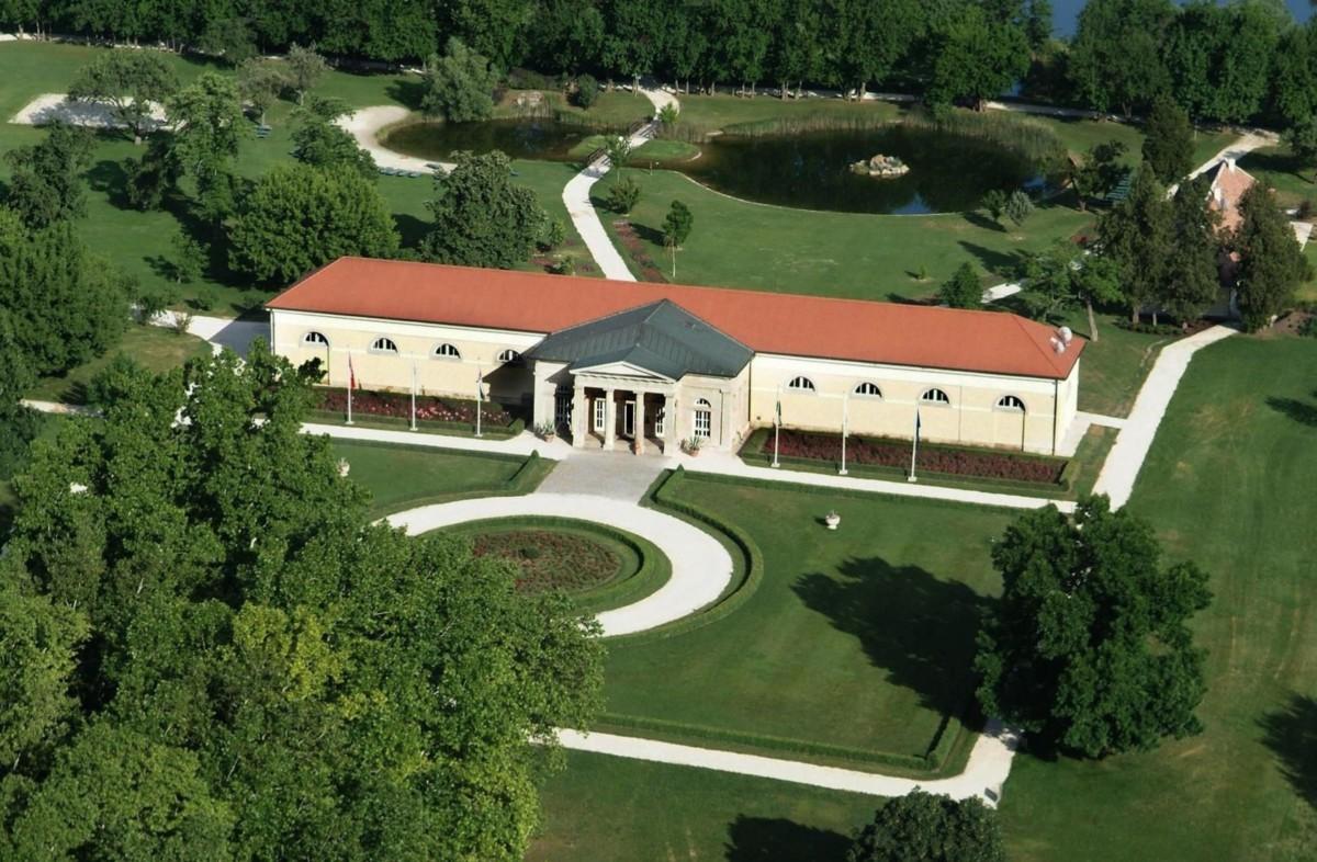 Csányiék alcsútdobozi golfklubját is benyelte a Mészáros-birodalom