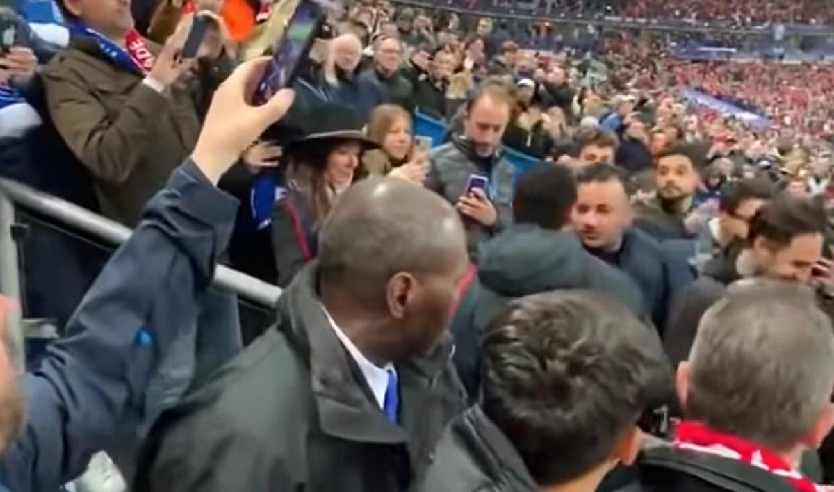 Megütött egy szurkolót Neymar a botrányos kupadöntő után