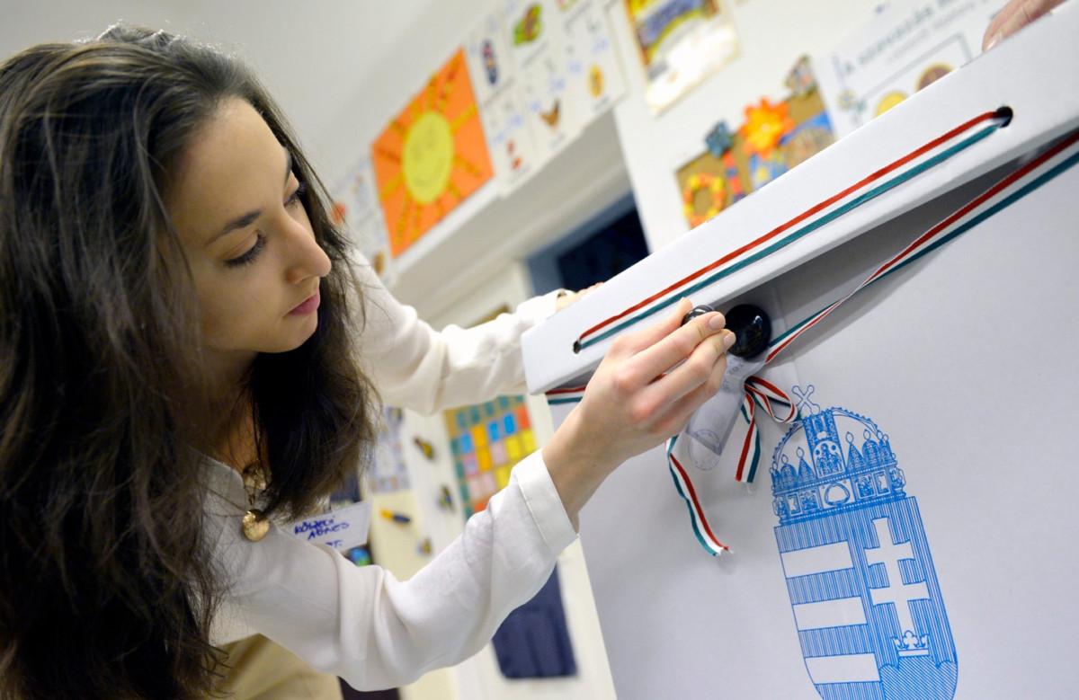 Százezernél is több külföldi szavazhat az őszi önkormányzati választáson