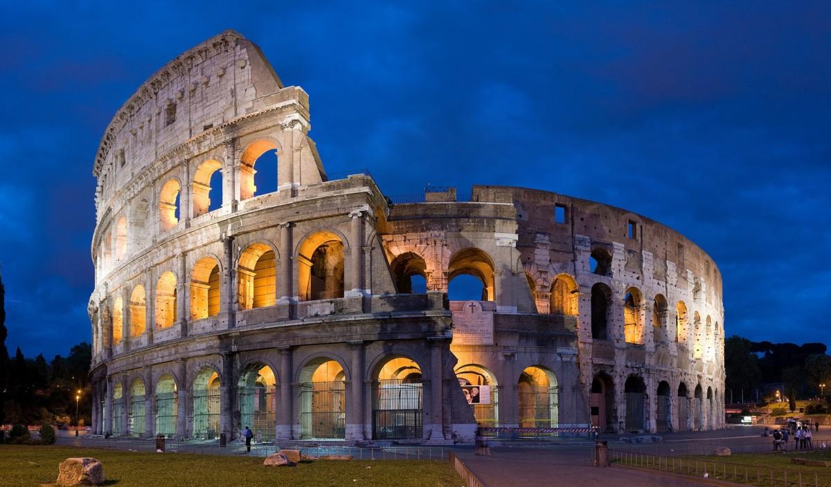 Vandál magyar turista miatt szigorítják a római Colosseum őrzését