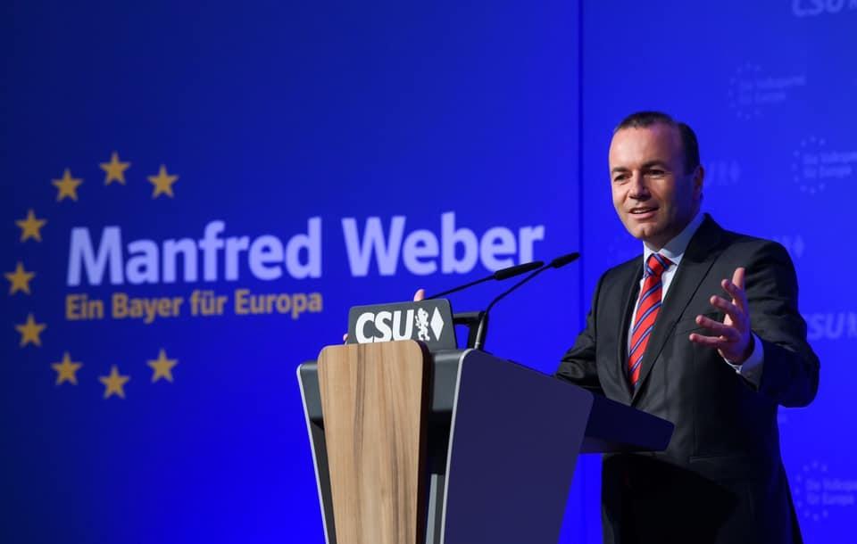 Weber: Magyarország rossz irányba tart Orbánnal
