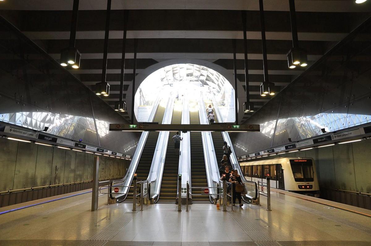 Lekéste a metrót, bosszút állt a BKK-n egy férfi a Bikás parknál
