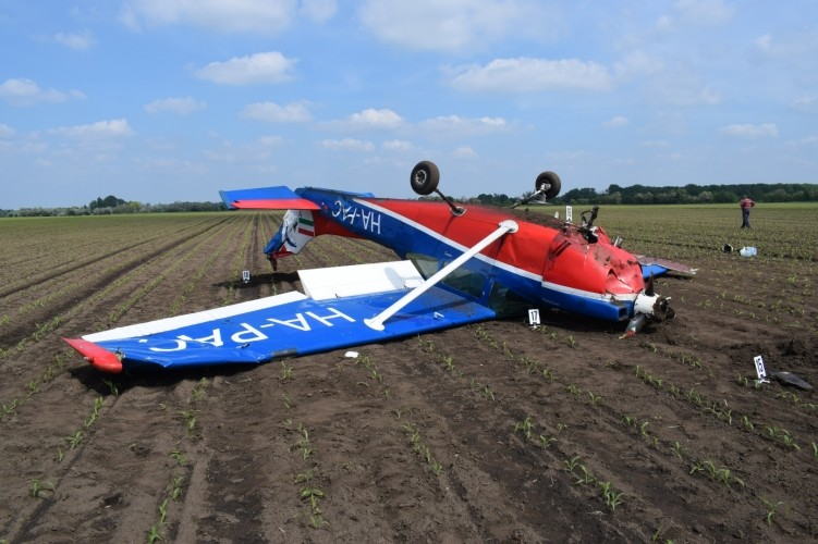 Kényszerleszállást hajtott végre egy kisrepülőgép Székesfehérvár mellett