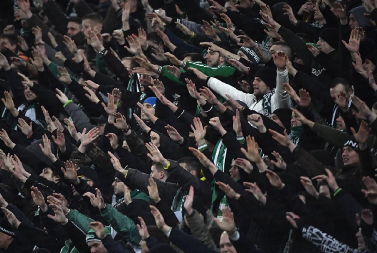 Tömegverekedés volt a Fradi-Újpest meccs előtt, negyven embert vettek őrizetbe