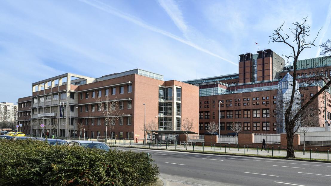 A Magyar Honvédség Egészségügyi Központ és az Állami Egészségügyi Központ épületegyüttese a főváros XIII. kerületében, a Pap Károly utcában.