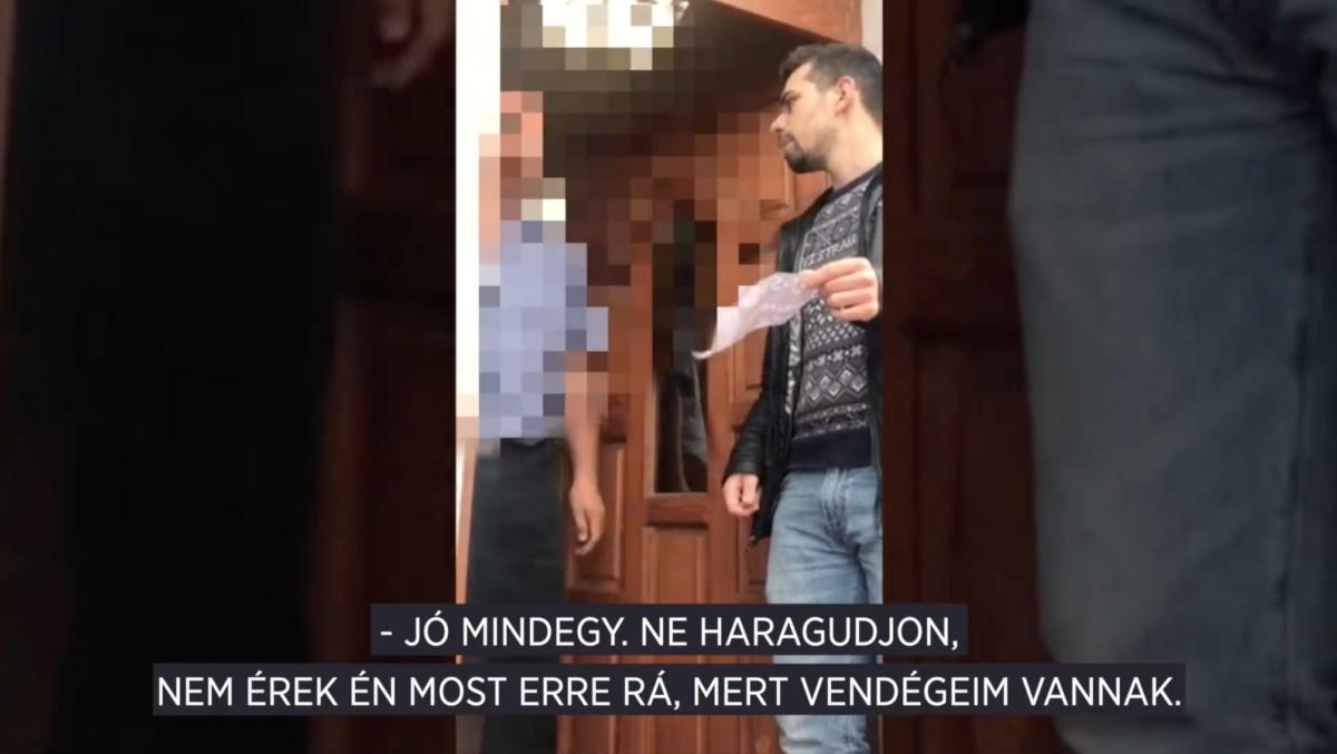 Megrongálták a Momentum plakátjait, bekopogott a Fideszhez a képviselőjük