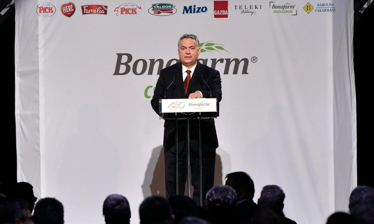Orbán Viktor miniszterelnök beszédet mond a Pick fennállásának 150. és a Bonafarm csoport születésének 10. évfordulója alkalmából megrendezett gálarendezvényen a Várkert Bazárban 2019. május 16-án.