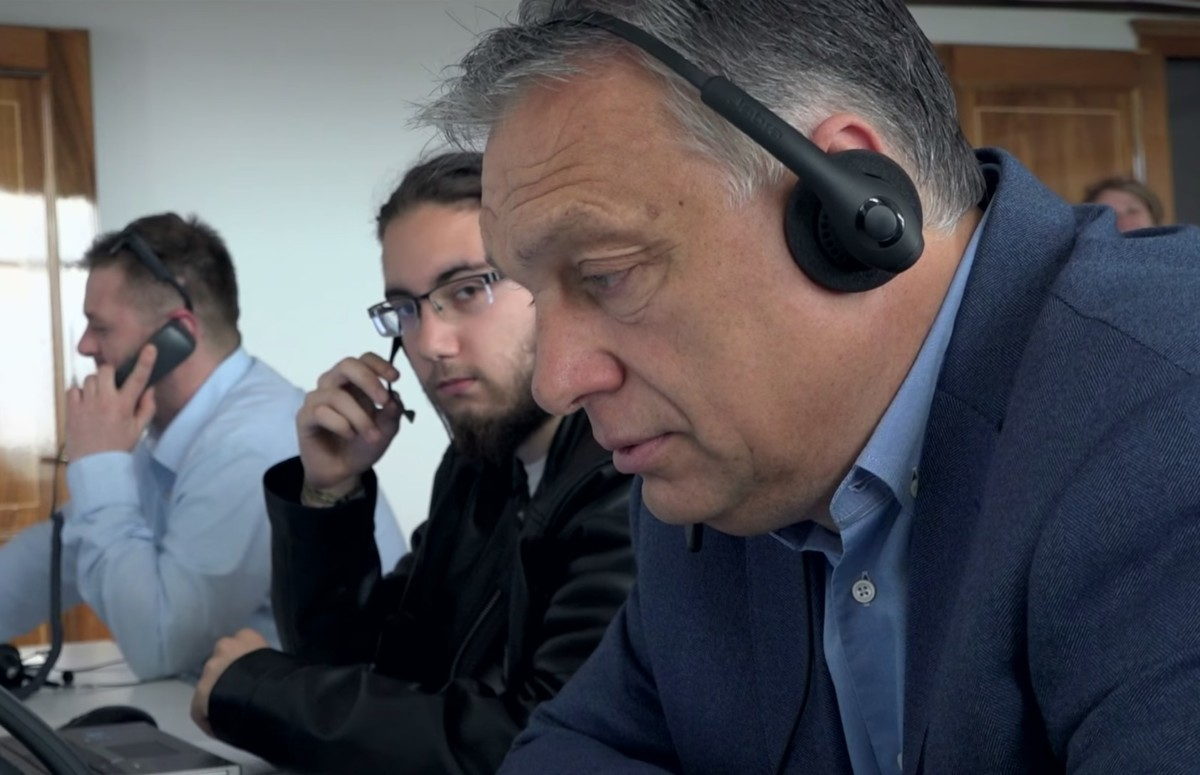 Telefonon is csibészelteti Orbán a választókat – lehet, hogy éppen téged hív?