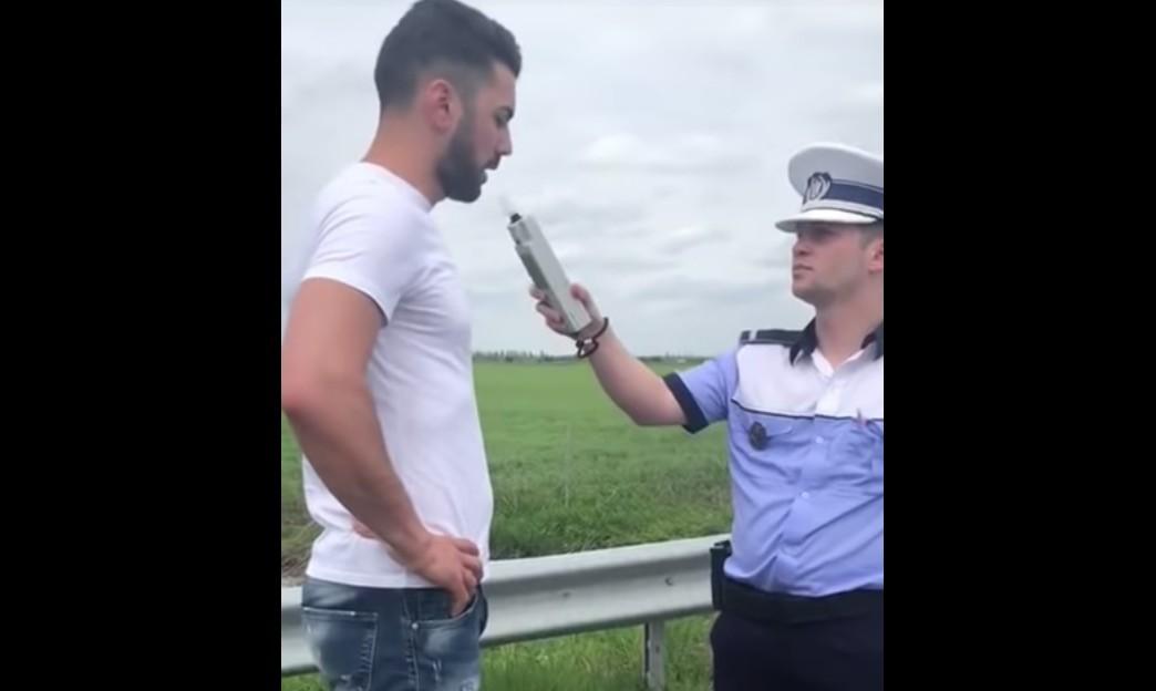 Olyat fújt a szondába egy román autós, hogy elájult a rendőr előtt