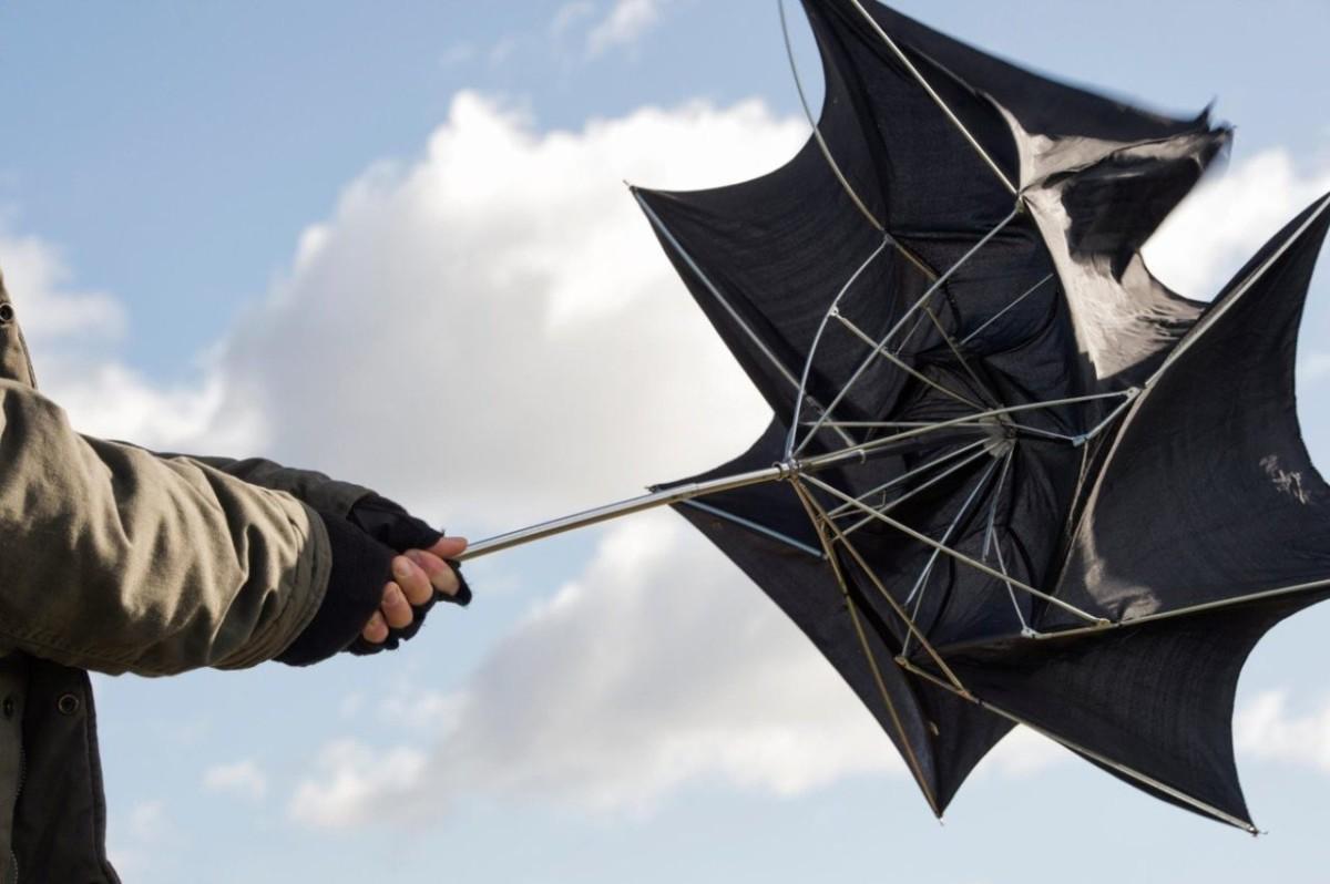 Zivatarokkal, szélviharral indul a jövő hét, országos veszélyjelzést adtak ki