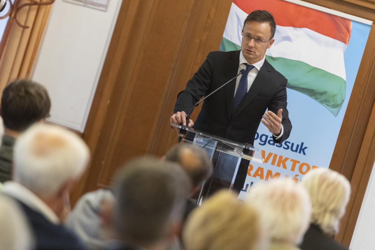 Szijjártó Péter külgazdasági és külügyminiszter a Fidesz országjárásának veresegyházi állomásán 2019. május 6-án.