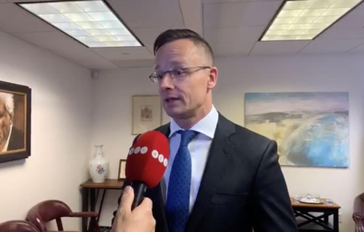 Szijjártó: Trump egészen a kijáratig kísérte a magyar miniszterelnököt!