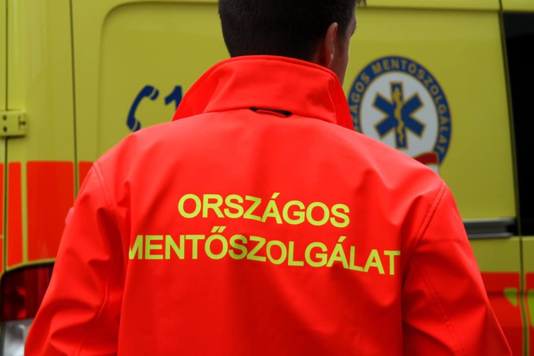 Belehalt a koronavírusba egy ceglédi mentőtiszt