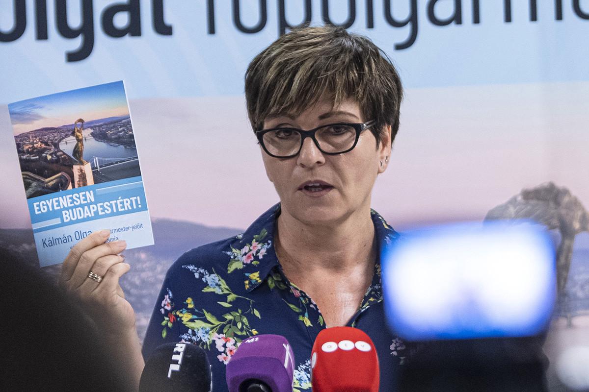 Kálmán Olga, a Demokratikus Koalíció által támogatott főpolgármester-jelöltje programismertető sajtótájékoztatót tart Egyenesen Budapestért címmel 2019. június 19-én.